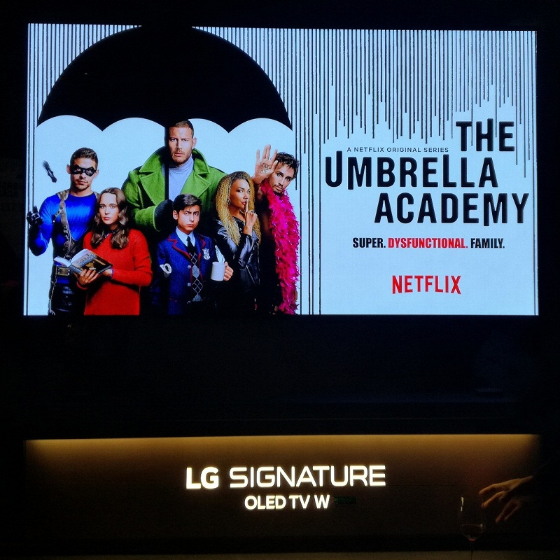 Indulge in The Umbrella Academy on Netflix with LG