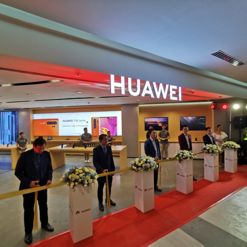 Biggest Huawei High-end Experience Store in PH officially opens