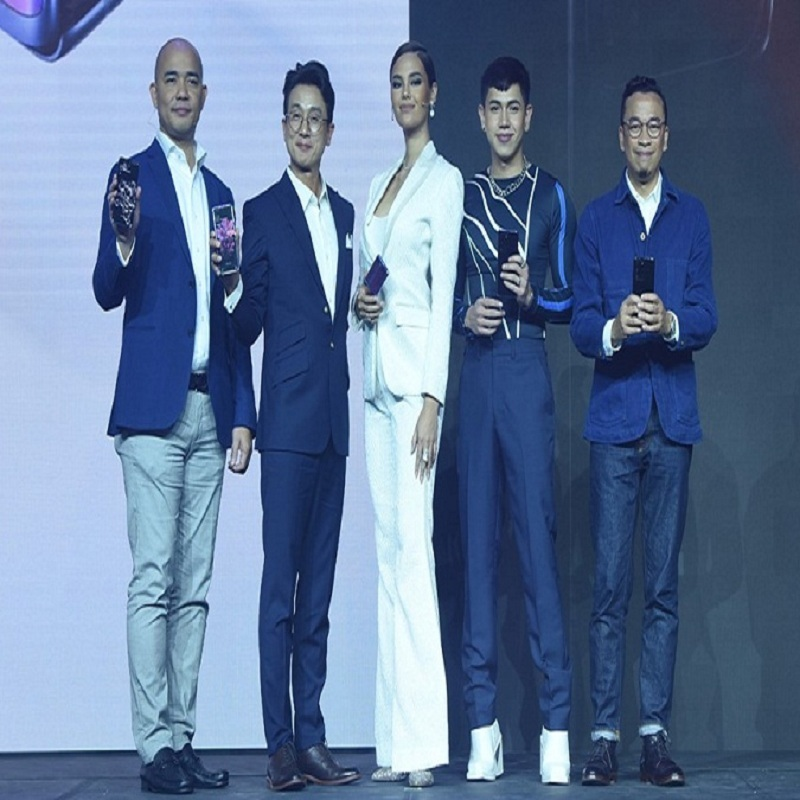 Catriona Gray, BJ Pascual, and Jason Magbanua lead the SAMSUNG Galaxy S20 and Z Flip launch in the Philippines