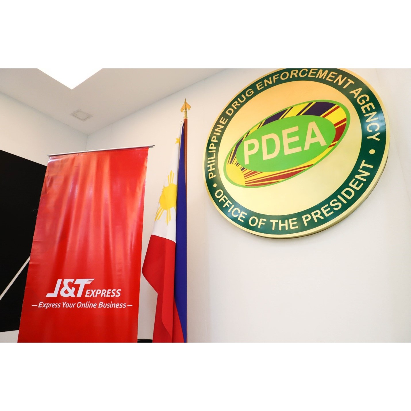 J&T Express and PDEA partner to safeguard logistics and protect SME customers